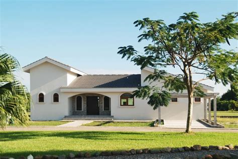 5 bedrooms homes for sale 2 5 bedroom family homes for sale in placencia belize