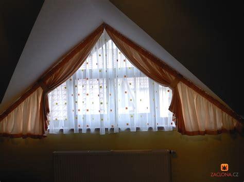 vorhang dreiecksfenster vorhang kinderzimmer lang speyeder net verschiedene