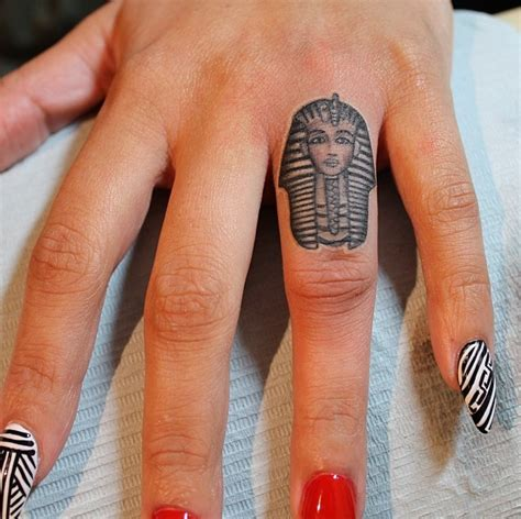finger tattoo uk 38 best finger tattoo designs