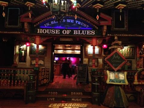 chicago house of blues crossroads entrance picture of house of blues chicago
