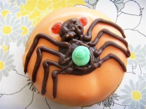 doodle do donuts クモのドーナツ アメリカや海外のハロウィンスイーツ 可愛いものから怖いものまで naver まとめ