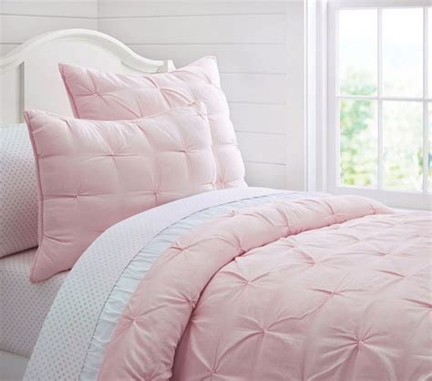 light pink quilt set 25 best ideas about light pink bedrooms on