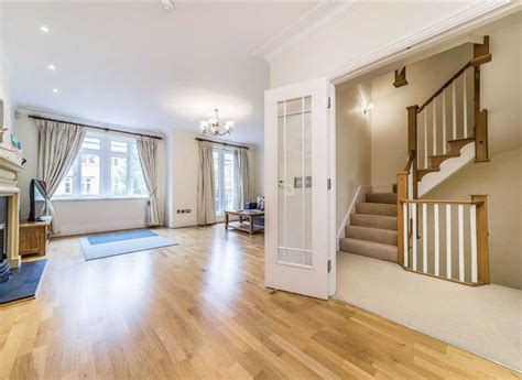 house  rent  kelsall mews richmond tw waterview