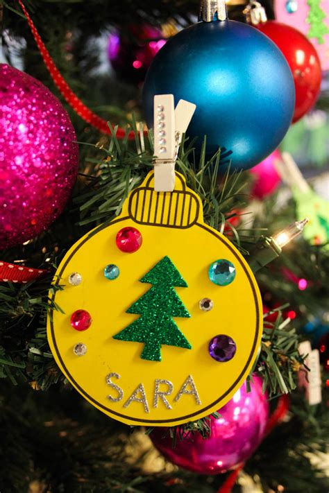 use christmas ornaments to colorize your classroom management