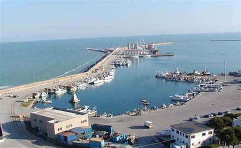 porto di corfu bari ingloba molfetta presto una nave otranto corf 249