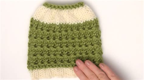 how to knit a hat for easy how to knit a bun hat pattern in 7 easy steps with