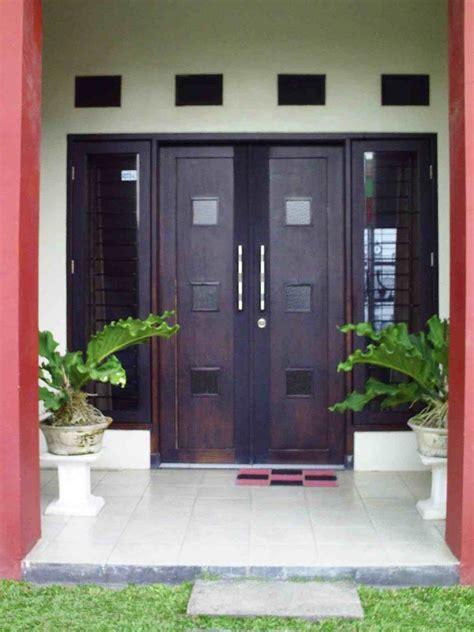 desain depan rumah pintu dua 14 model desain pintu utama rumah minimalis terbaru