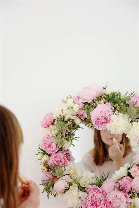 Home Decor Globe make this diy fresh flower framed mirror paper and stitch