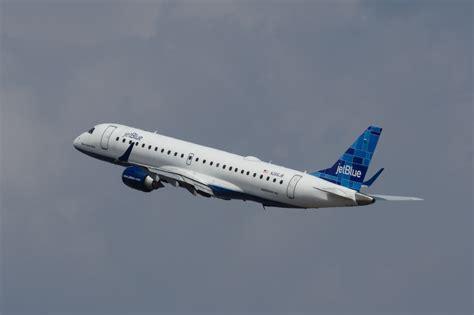 jetblue fleet to get free in flight wifi using viasat