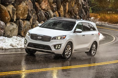 Kia Compare 2017 Kia Sorento Vs 2017 Ford Edge Compare Cars