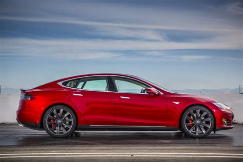 tesla model s p85d breaks consumer reports rating system