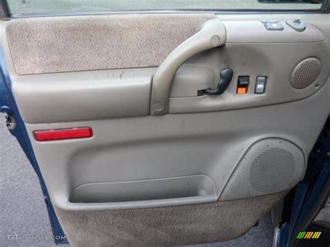 Chevy Interior Door Panels 2002 Chevrolet Astro Ls Awd Door Panel Photos Gtcarlot
