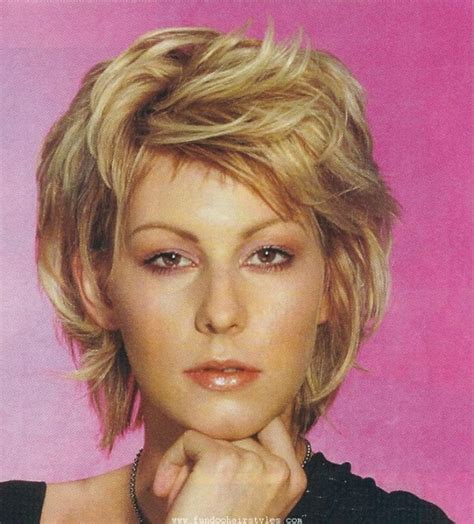 short hairstyles parted in the middle behairstyles com