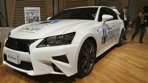 Toyota Self Driving Car Toyota Unveils Self Driving Car Www Krmg