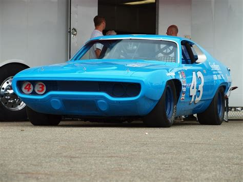 richard petty cars richard petty plymouth roadrunner 1971 cars