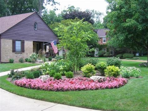 Specimin Trees For Landscaping Ideas Front House Front Yard Garden Design
