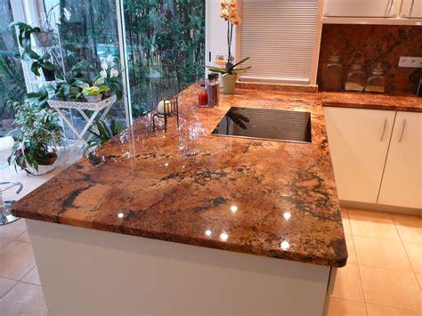 plaque granit cuisine plan de cuisine en granit juparana florida azur