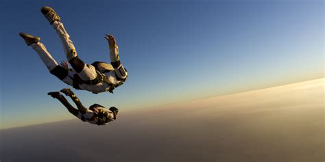 parachute dive limitless pursuits the best place to skydive on every