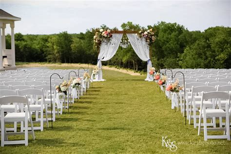 country wedding venues in dfw how to your wedding venue dallas wedding photographers