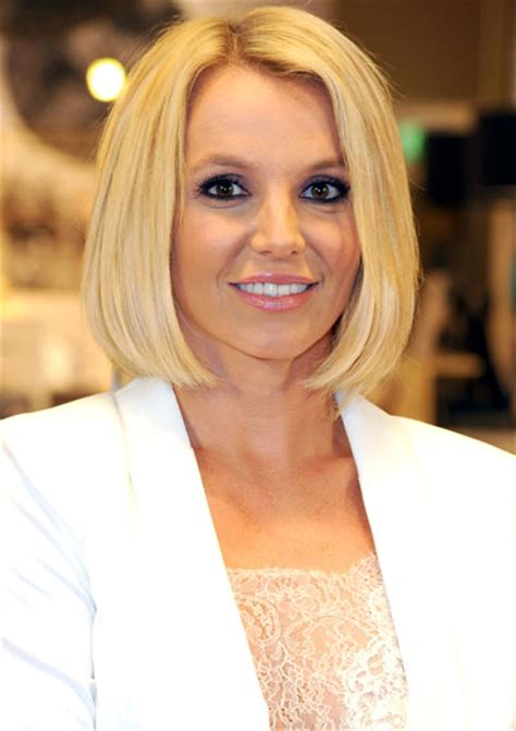 Britney Spears steps out with sophisticated new look