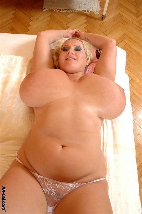 Bbw Shaved Fat Babe Laura Orsolya With Coin Slot Pussy Tgp Gallery