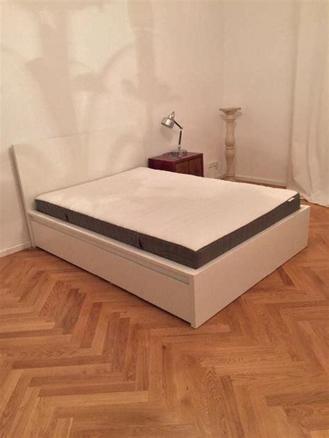 ikea malm bett  inkl lattenrost matratze und zwei
