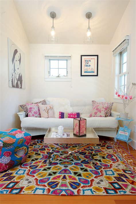 futon living room decor white cottage phipps design