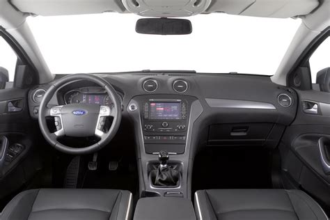 Ford Mondeo 2011 Interior by 2011 Ford Mondeo Gets Updates Autotribute