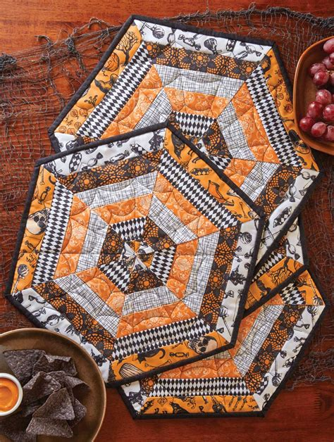 Patchwork Table Mats Pattern - spooky placemats runners centerpieces for tables and