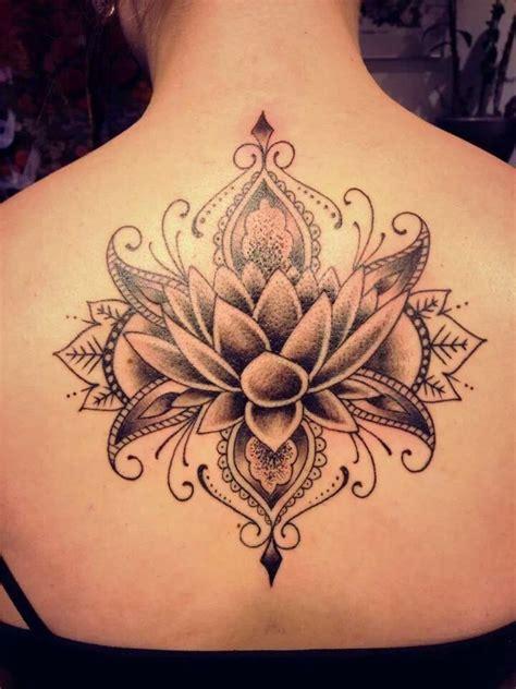 tatoeage bloem rug groot tattoo inspiratie en idee 235 n
