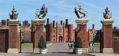 Hampton Court Palace in Colour : David Hankin