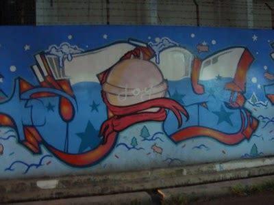 graffiti walls christmas graffiti santa merry  mast  happy  year