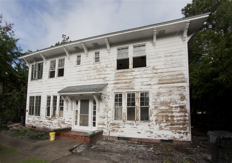 ugly house before after photo picture renovation remodeling project new fresh paint exterior