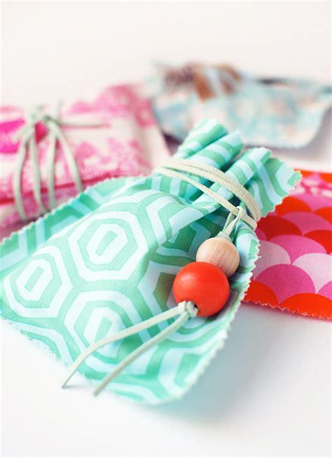 decor8blog 7 diy gift bag ideas detroit mommies detroit mommies