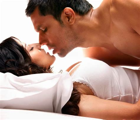 things guys love in bed 10 things you re doing right in bed according to guys