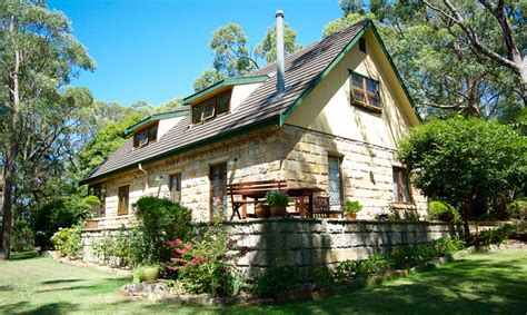 Blue Mountains Cottage Accommodation by Blue Mountains Accommodation Lindsay Cottage