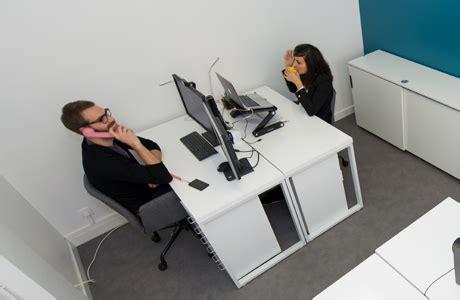 bureau ferme un bureau ferm 233 dans un espace de coworking