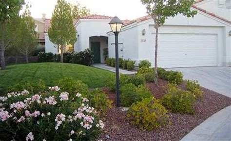 Landscape Ideas For Small Yards Landscaping Your Small Backyard Izvipi