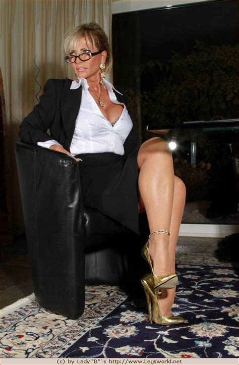 Office Lady Barbara In Stockings And Golden Heels Pichunter