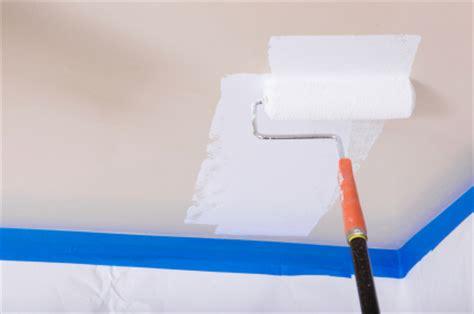 Streifen Lackieren Abkleben by Decke Streichen So Wird S Gemacht
