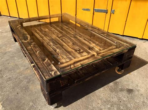 Coffee Table Pallets Diy Pallet Coffee Table With Glass Top Wheels