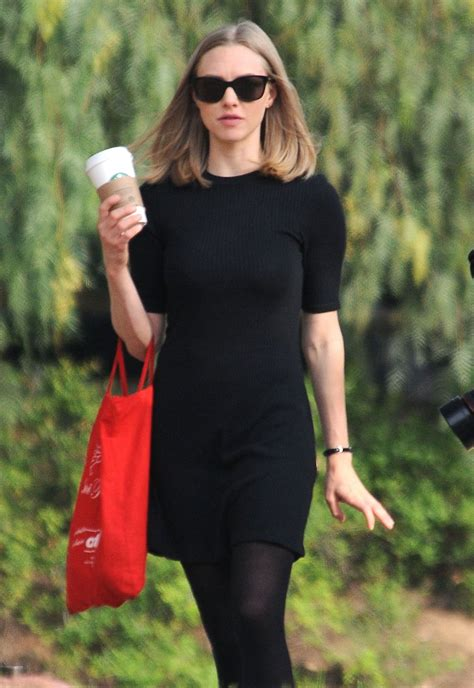 amanda seyfried on the set of the last word in los