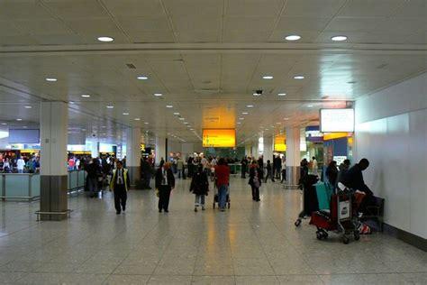 flight arrivals and departures heathrow international airport london file terminal 3 arrivals hall london heathrow airport