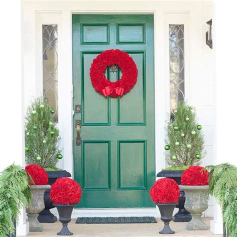 20 Creative Christmas Front Door Decorations Front Door Decorating Ideas For