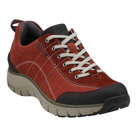 s clarks wave trek walking shoe leather