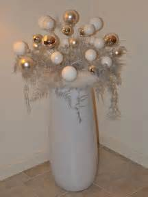 How To Decorate Christmas Tree At Home 23 last minute diy christmas decorations and inspirations