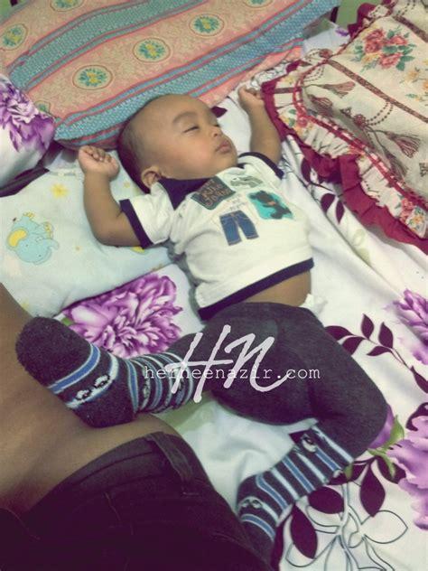 perkembangan bayi usia 8 bulan priyayialitblogspotcom perkembangan bayi pada usia 8 bulan herneenazir com