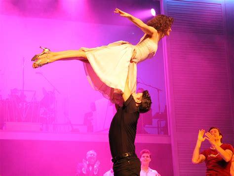 dirty dancing feiert premiere  hamburg musical