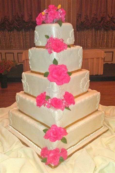 Where Can I Buy Wedding Cake Decorations by Edible Wedding Cake Decorations Wedding And Bridal