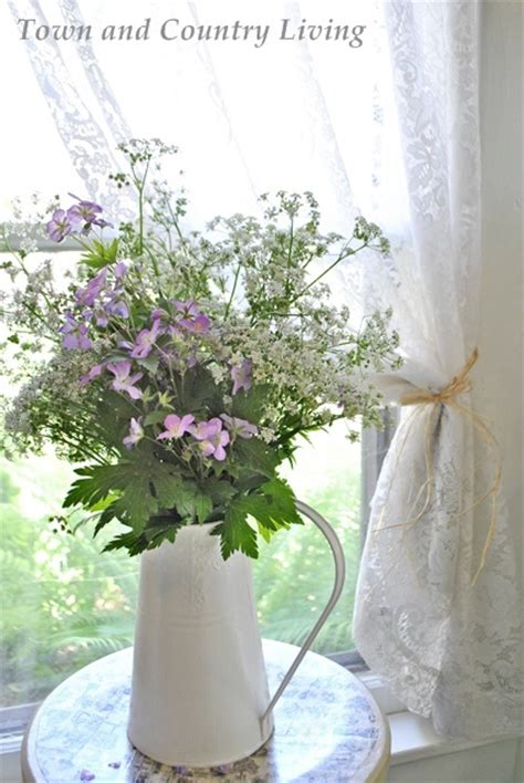 Wildflower Arrangements by Farmhouse Flowers 11 Simple Yet Pretty Bouquets Town